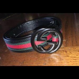 Authentic gucci belt sice 30-32 black leather.